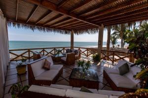 Casa de Playa Bungalows & Restaurant, Hotels  Máncora - big - 62