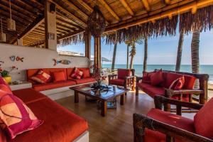 Casa de Playa Bungalows & Restaurant, Hotels  Máncora - big - 55
