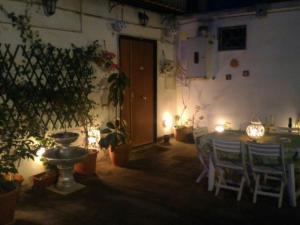 RaRa Centro Storico di Napoli - AbcAlberghi.com