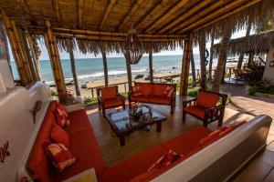 Casa de Playa Bungalows & Restaurant, Hotels  Máncora - big - 39