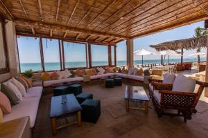Casa de Playa Bungalows & Restaurant, Hotels  Máncora - big - 37