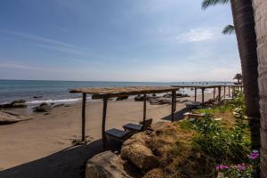 Casa de Playa Bungalows & Restaurant, Hotels  Máncora - big - 36