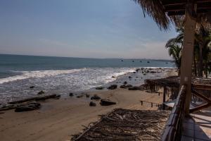 Casa de Playa Bungalows & Restaurant, Hotels  Máncora - big - 29