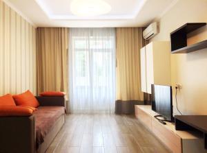 Apartment on Artema street