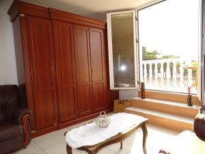 Апартаменты в двух уровнях на Свети Стефане, Apartmány  Sveti Stefan - big - 8