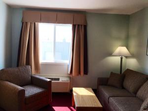Deluxe Queen Room with Sofa Bed