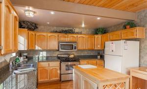 Bow Canyon House 43532, Dovolenkové domy  Big Bear Lake - big - 9