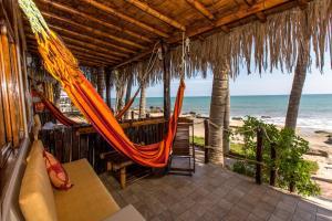 Casa de Playa Bungalows & Restaurant, Hotels  Máncora - big - 78