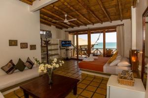 Casa de Playa Bungalows & Restaurant, Hotels  Máncora - big - 101