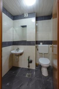 Skopje Apartments Deluxe, Ferienwohnungen  Skopje - big - 65