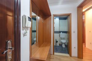 Skopje Apartments Deluxe, Ferienwohnungen  Skopje - big - 66