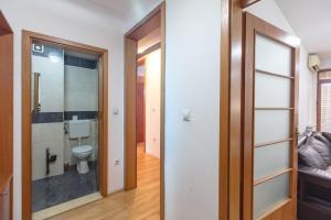 Skopje Apartments Deluxe, Ferienwohnungen  Skopje - big - 67