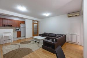 Skopje Apartments Deluxe, Ferienwohnungen  Skopje - big - 72