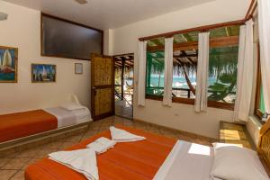 Casa de Playa Bungalows & Restaurant, Hotels  Máncora - big - 7