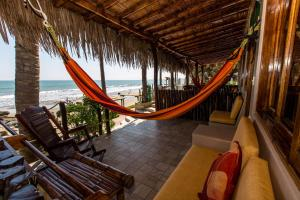 Casa de Playa Bungalows & Restaurant, Hotels  Máncora - big - 12