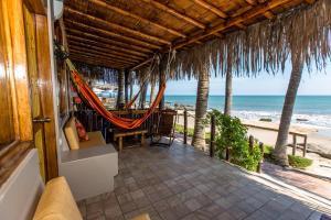 Casa de Playa Bungalows & Restaurant, Hotels  Máncora - big - 104