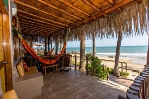 Casa de Playa Bungalows & Restaurant, Hotels  Máncora - big - 14