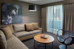 One Bedroom Loft Suite, 1 Bath