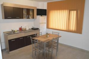 Casa BUCUR, Apartmány  Tîrgu Ocna - big - 16