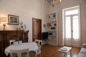 Via Roma 7, Ferienwohnungen  Salerno - big - 26
