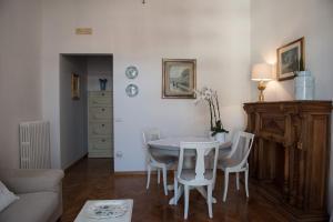 Via Roma 7, Ferienwohnungen  Salerno - big - 23