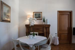 Via Roma 7, Ferienwohnungen  Salerno - big - 4