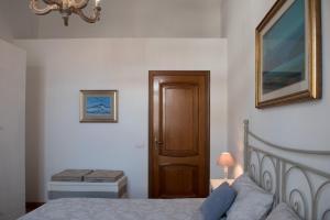 Via Roma 7, Ferienwohnungen  Salerno - big - 5