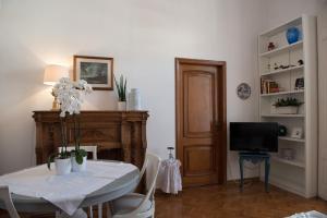 Via Roma 7, Ferienwohnungen  Salerno - big - 20