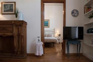 Via Roma 7, Ferienwohnungen  Salerno - big - 16