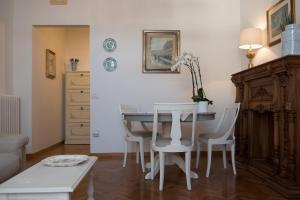 Via Roma 7, Ferienwohnungen  Salerno - big - 12