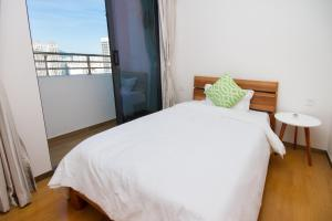 Baorui Railway Boutique Apartment, Ferienwohnungen  Sanya - big - 35