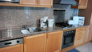 Bicos Beach Apartments AL by Albufeira Rental, Apartmanok  Albufeira - big - 96