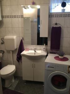 Guesthouse Adi, Penziony  Mostar - big - 36