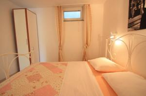 One-Bedroom Apartment in Crikvenica XII, Апартаменты  Цриквеница - big - 3