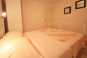 One-Bedroom Apartment in Crikvenica XII, Апартаменты  Цриквеница - big - 6
