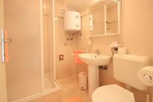 One-Bedroom Apartment in Crikvenica XII, Апартаменты  Цриквеница - big - 7