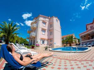 Apartments in Tkon/Insel Pasman 7887, Apartmanok  Kraj - big - 1