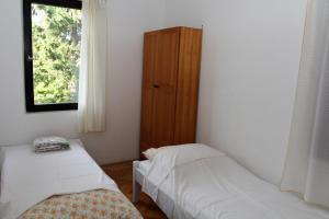 Four-Bedroom Holiday home in Stinjan I, Prázdninové domy  Štinjan - big - 4
