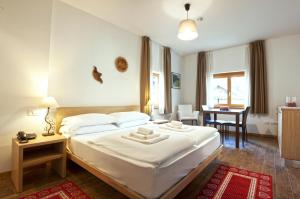 Residence Cavanis Wellness & Spa, Aparthotely  Sappada - big - 48