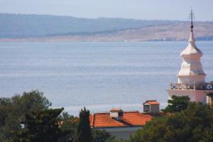 Apartment in Crikvenica with Two-Bedrooms 4, Apartments  Crikvenica - big - 13