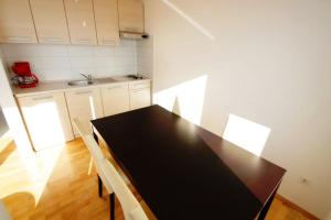 One-Bedroom Apartment in Crikvenica XXV, Ferienwohnungen  Crikvenica - big - 15