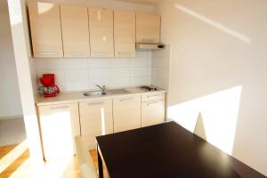 One-Bedroom Apartment in Crikvenica XXV, Ferienwohnungen  Crikvenica - big - 12