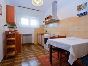 Apartment in Pula/Istrien 17400, Appartamenti  Veruda - big - 9