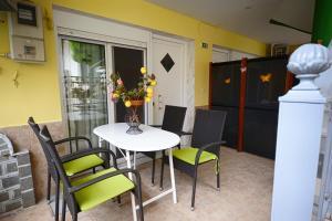 House Stella, Ferienwohnungen  Sarti - big - 38