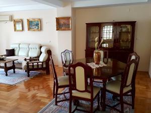 Vila Kraljevski 1, Appartamenti  Kumanovo - big - 24