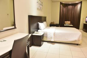 Al Tayyar Suites & Hotel Apartments - Riyadh(Families Only), Aparthotels  Riad - big - 31