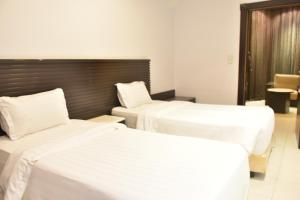 Al Tayyar Suites & Hotel Apartments - Riyadh(Families Only), Aparthotels  Riad - big - 34