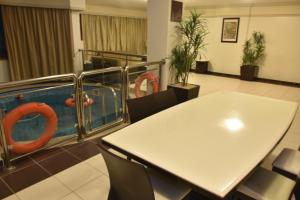 Al Tayyar Suites & Hotel Apartments - Riyadh(Families Only), Aparthotels  Riad - big - 36