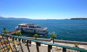 Du Lac, Hotel  Gardone Riviera - big - 14