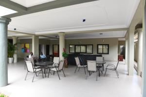 Hotel Mirambeau, Отели  Ломе - big - 34